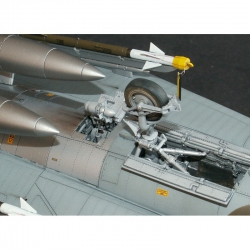 Saab J-35 Draken - RAT bay